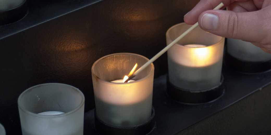 candle-memorial_Pixabay