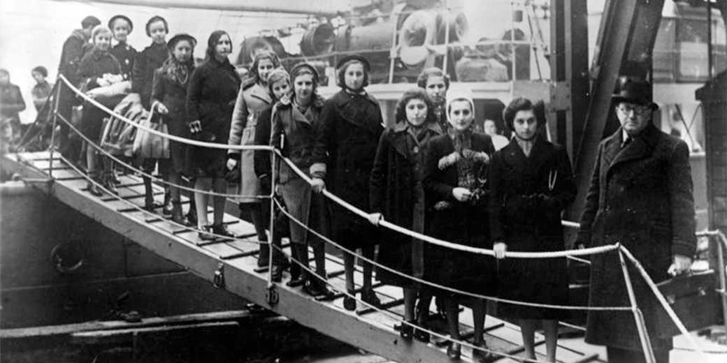 Bundesarchiv_Bild_183-S69279,_London,_Ankunft_jüdische_Flüchtlinge
