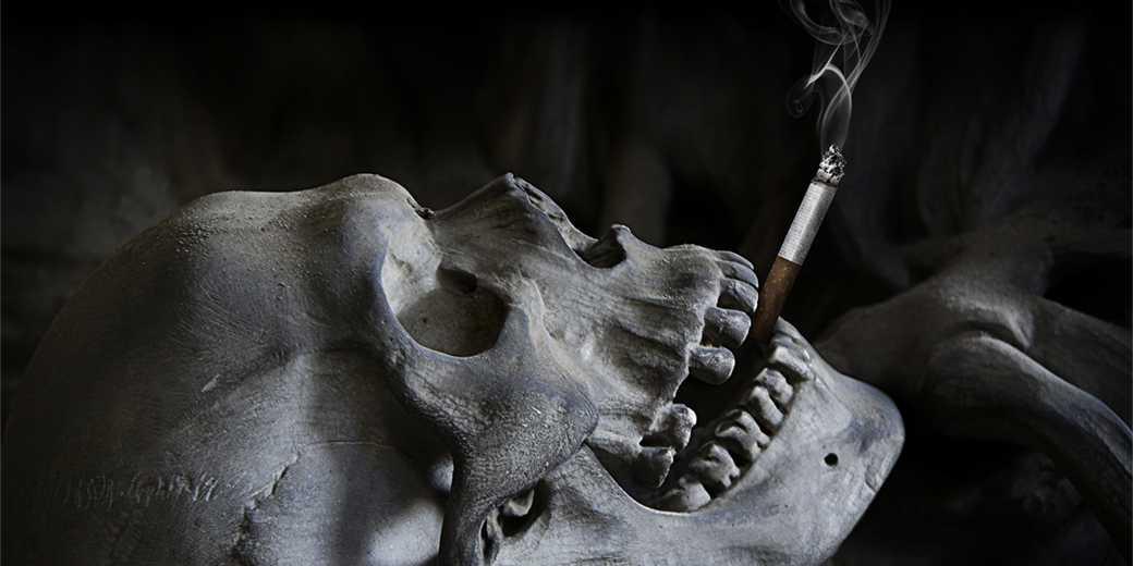 skull-smoking-pixabay