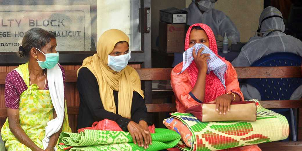 RTS1SV8U_India_Virus_Stringer_Reuters