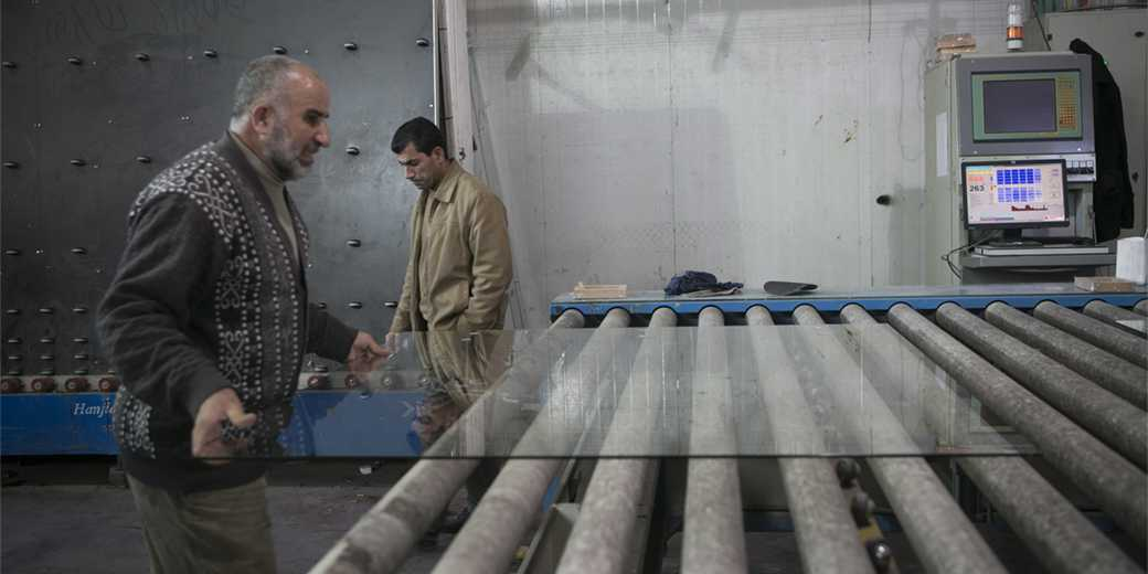 460517_Palestinian_Workers_MichalFatal