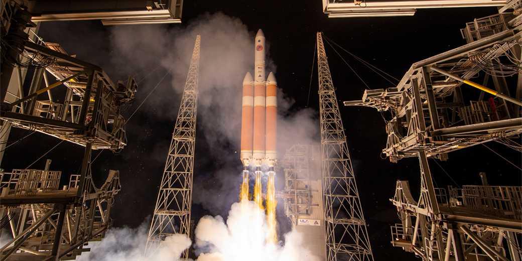 RTS1X2A3_NASA_Handout_Reuters