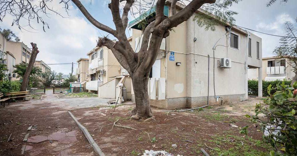 853257_public_housing_EyalTueg