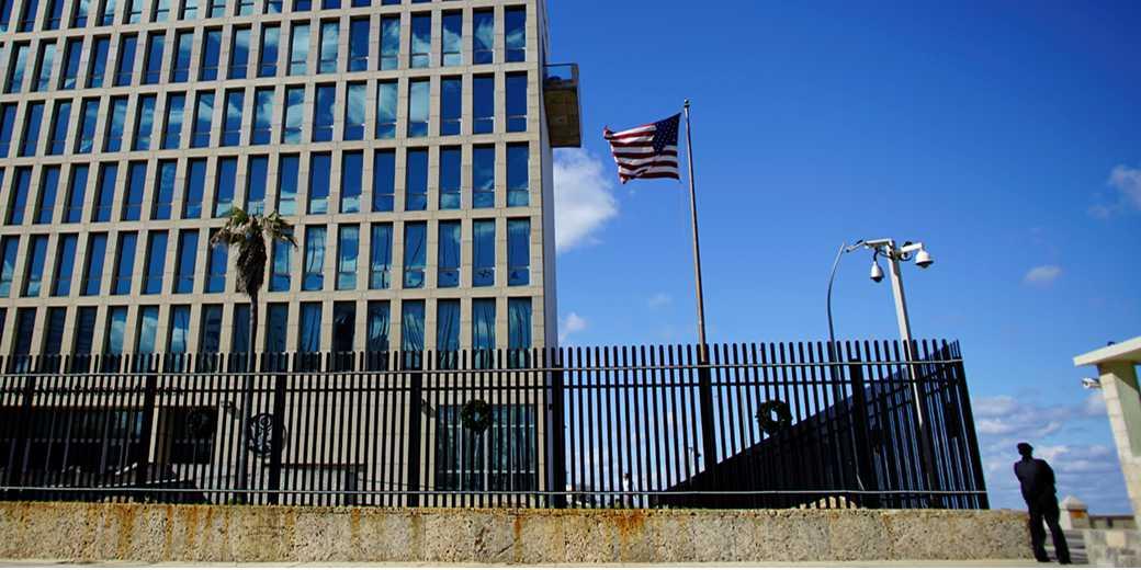 RTX3Q8RU_US_Embassy_Havana_Alexandre_Meneghini_Reuters
