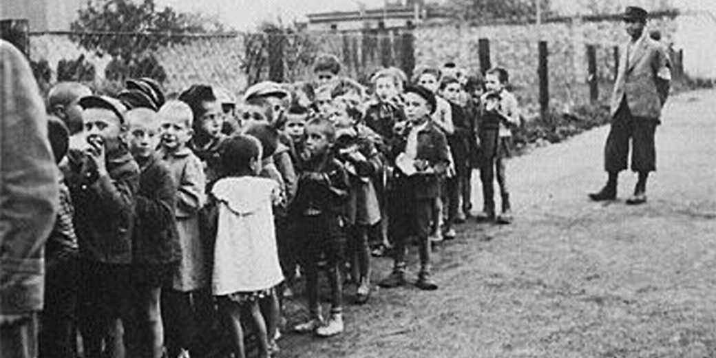 Lodz_Ghetto_children_deportation_to_Chelmno_Wiki_public