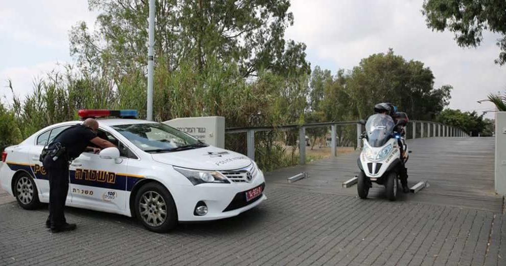 719397Z_Police_Car_Ofer_Vaknin