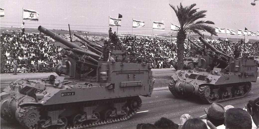 Parade1965_wiki_public1
