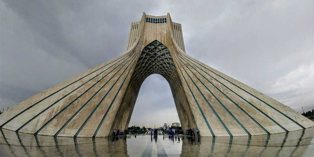 Tehran_AzadiTower_Pixabay