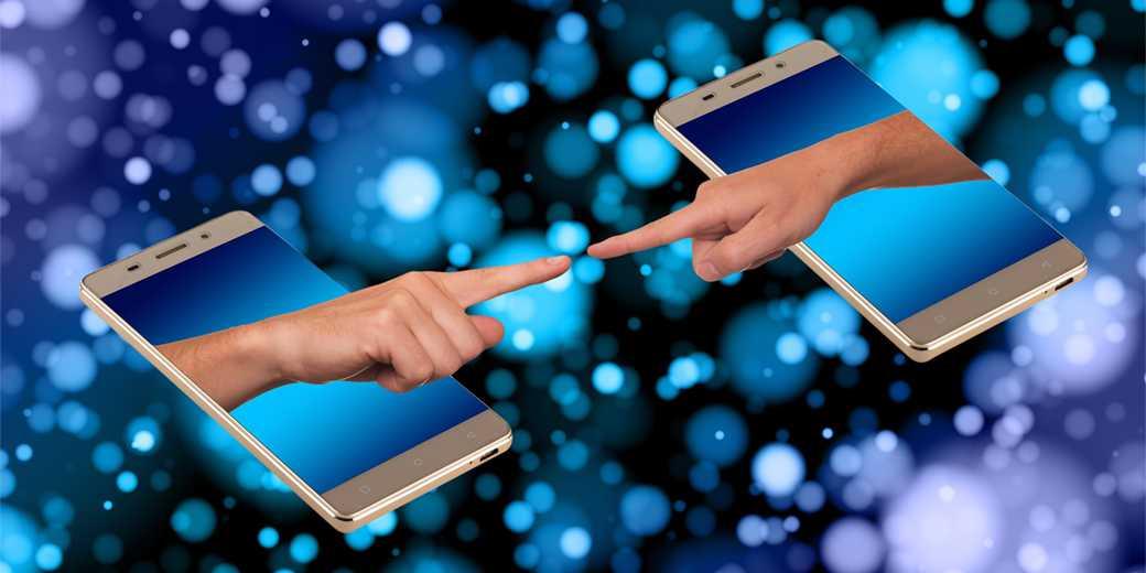 smartphone--social-media-Pixabay - Copy