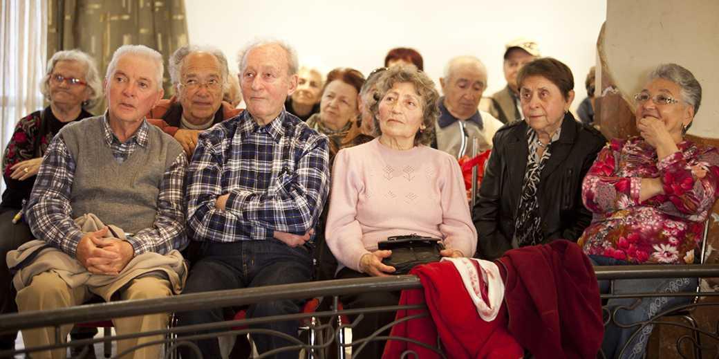 533083_Russian_Pensioners_Dudu_Bahar