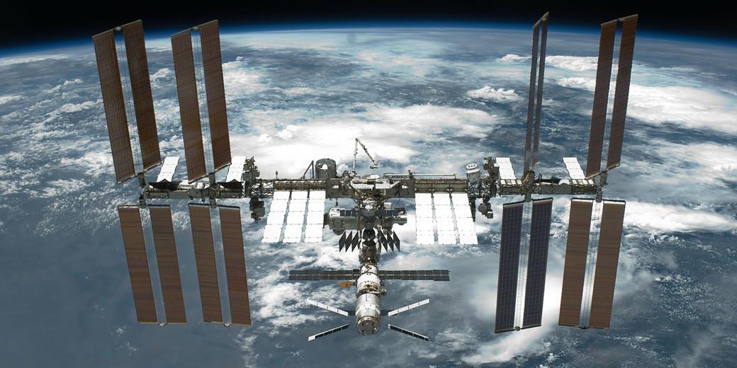 international-space-station-pixabay