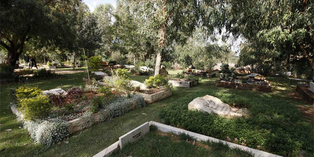 159294_Cemetery_kibbutz_Horshim_Moti_Milrod