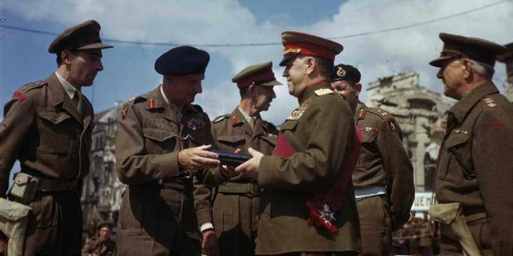 Field_Marshal_Montgomery_12_July_1945