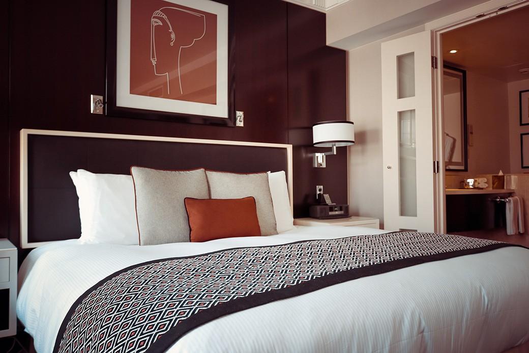 hotel-room-pixabay
