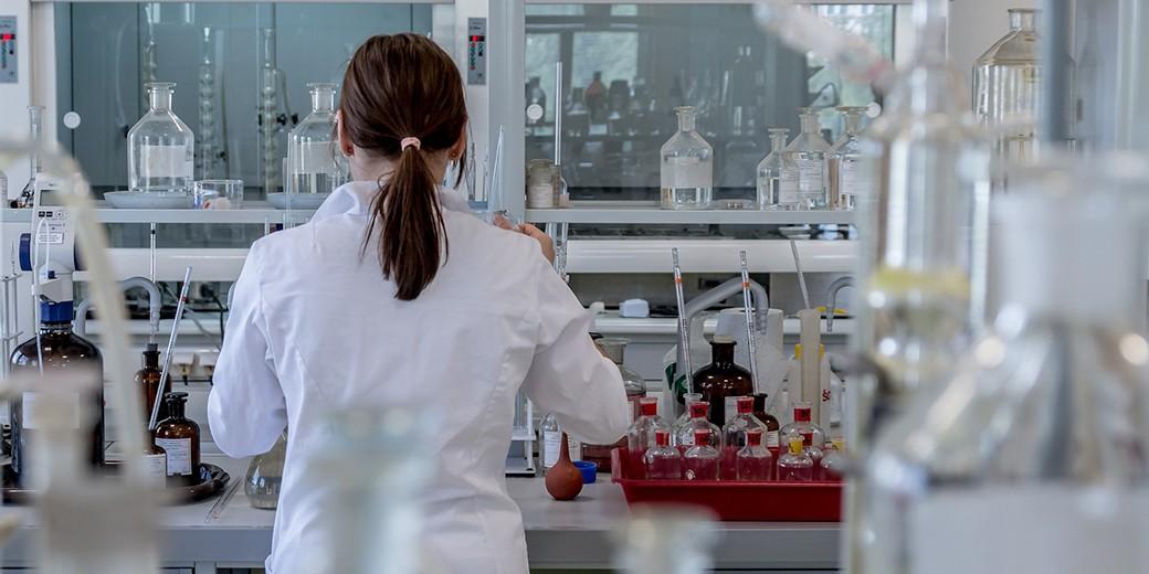 laboratory-pixabay