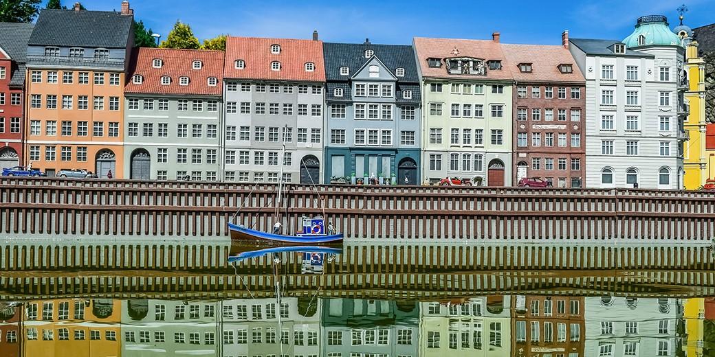 mini-europe-- pixabay