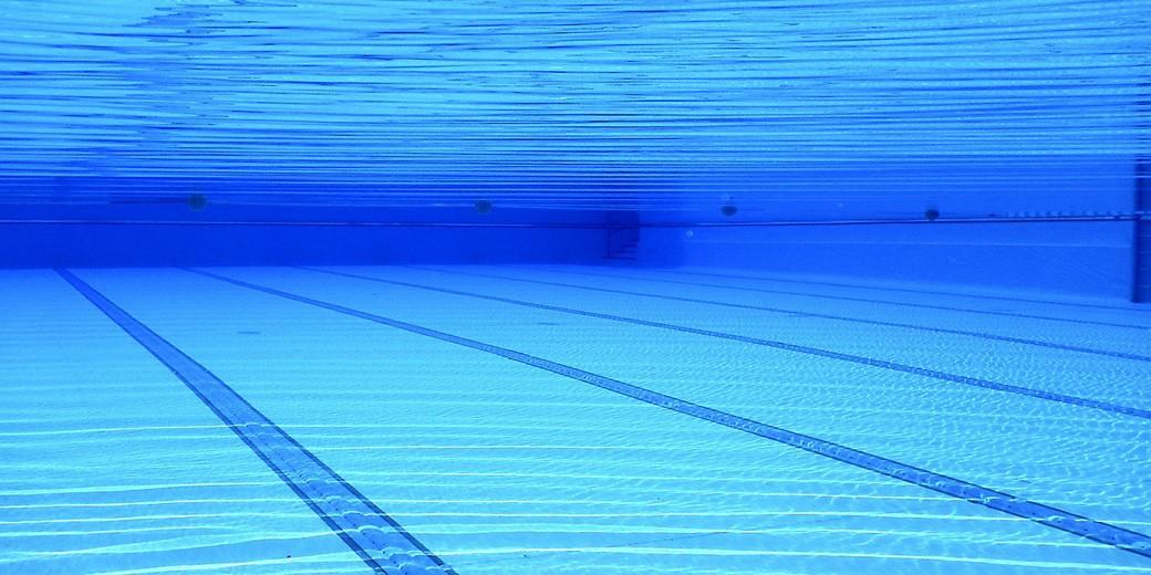 swimming-pool-pixabay