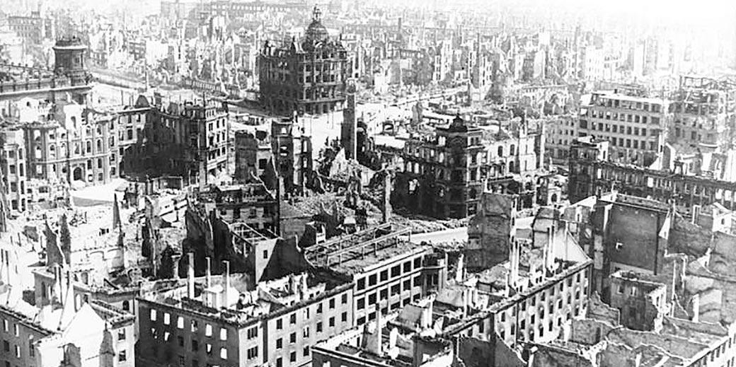 Bundesarchiv_Bild_183-Z0309-310,_Zerstörtes_Dresden_Wiki