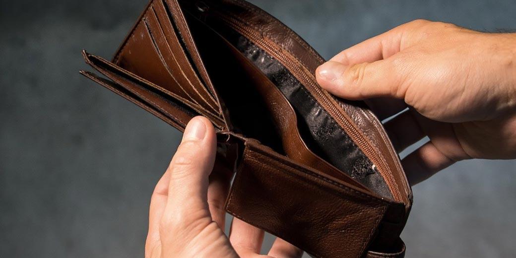 Money-purse-3548021_1280-Andrew-Khoroshavin-Pixabay