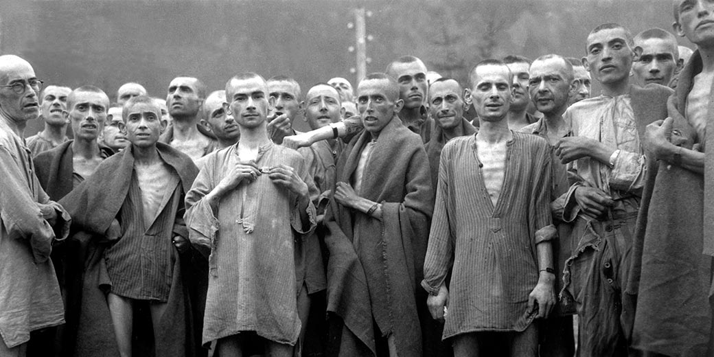 Ebensee_concentration_camp_prisoners_1945-Wikipedia-public-domain