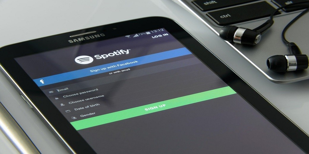 music-on-your-smartphone-spotify