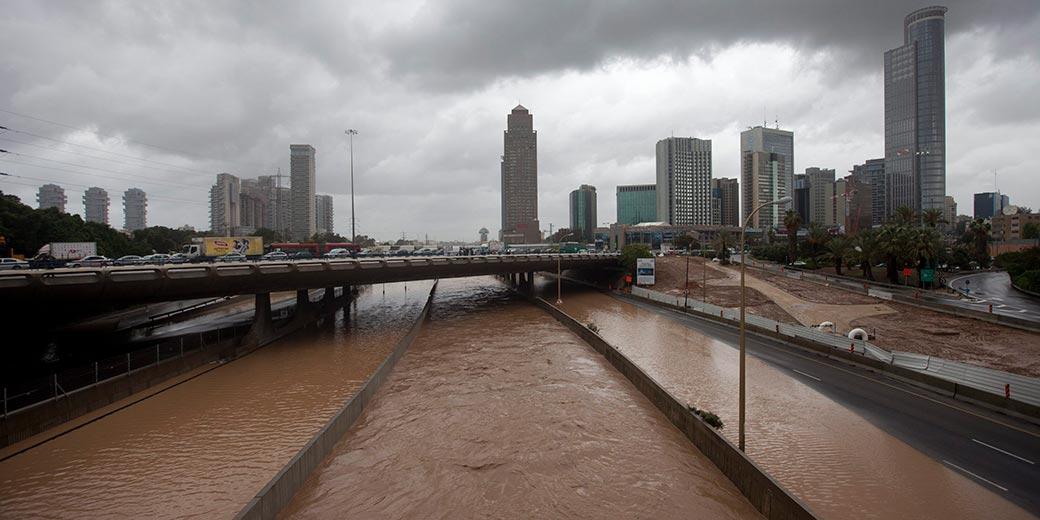 329887_rain_flood_TelAviv_Moti_Milrod