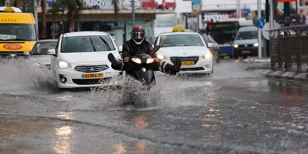 616674_Tel Aviv Flood Rain Dudu Bachar
