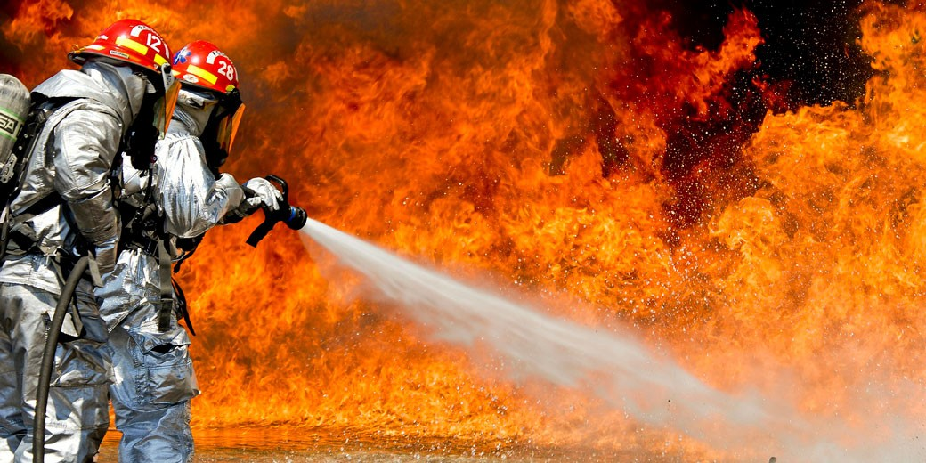 firefighters-pixabay