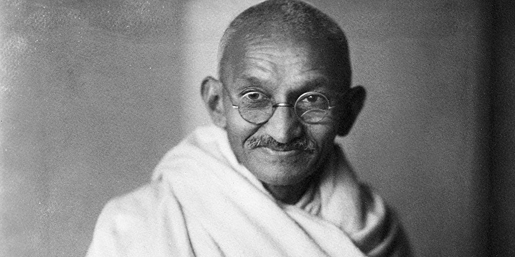 Mahatma-Gandhi_1931_Wikipedia