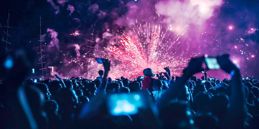 fireworks-pixabay