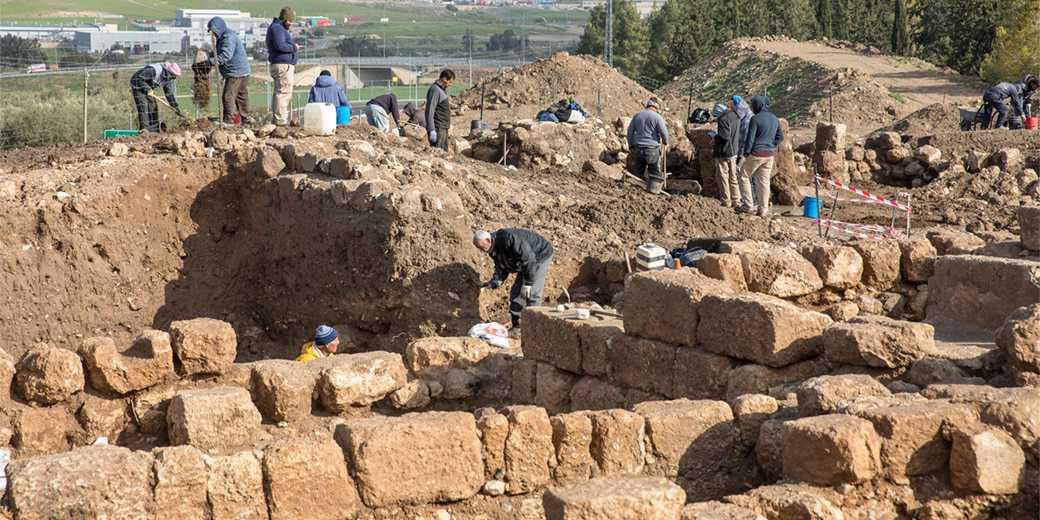 429805_Excavations_Emil_Salamn