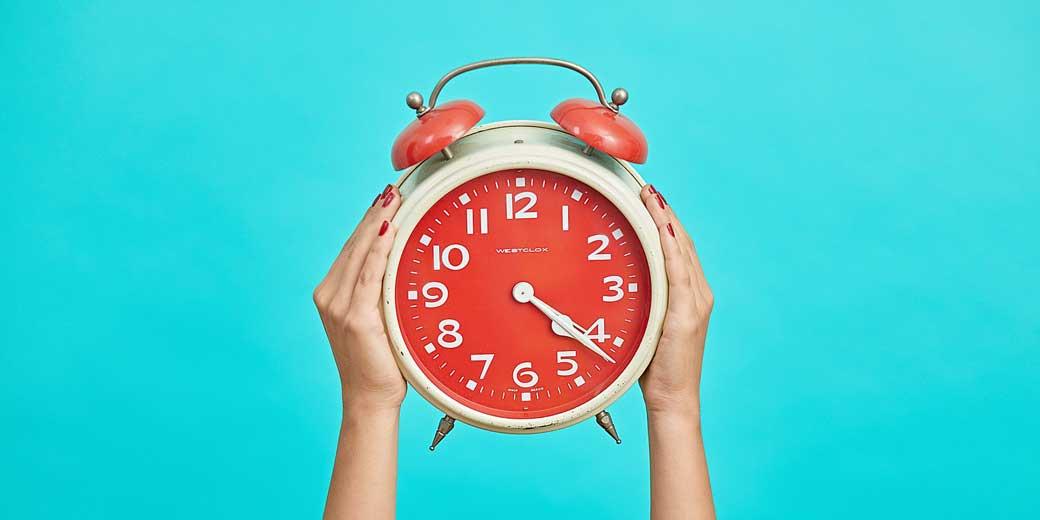 malvestida-magazine-clock-unsplash