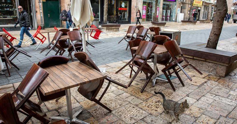 574870_Corona_Restaurant_street_Emil_Salman