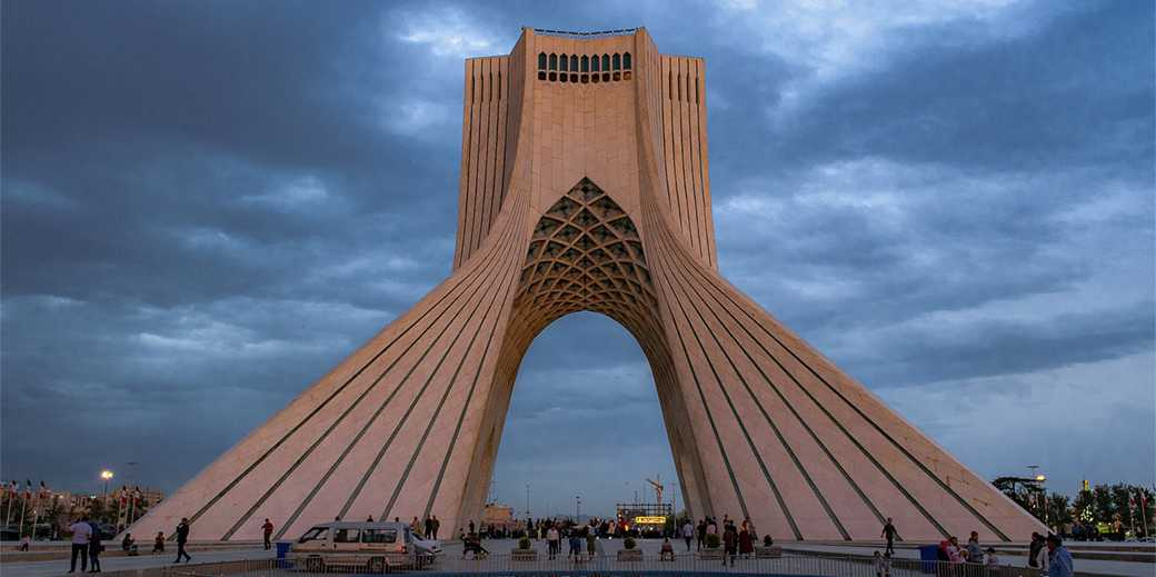 Tehran_Azadi_Tower_at_sunset_II_Wikimedia_Commons