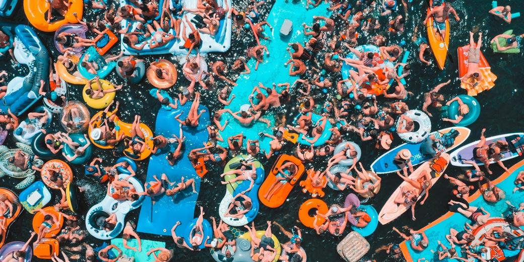 drew-dau-pool-party-unsplash