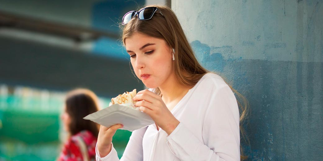 girl-eat-food-pixabay