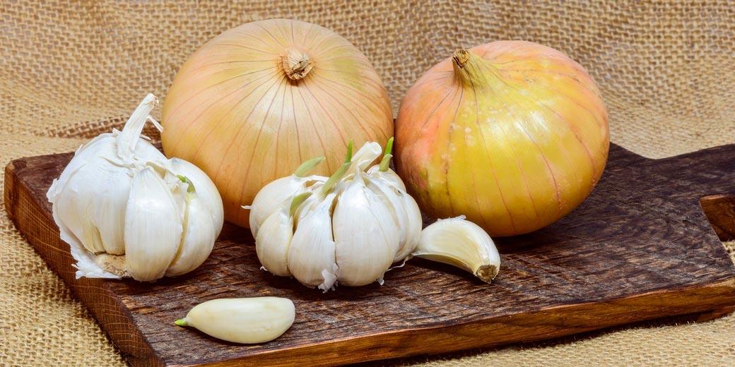 onion-garlic-pixabay