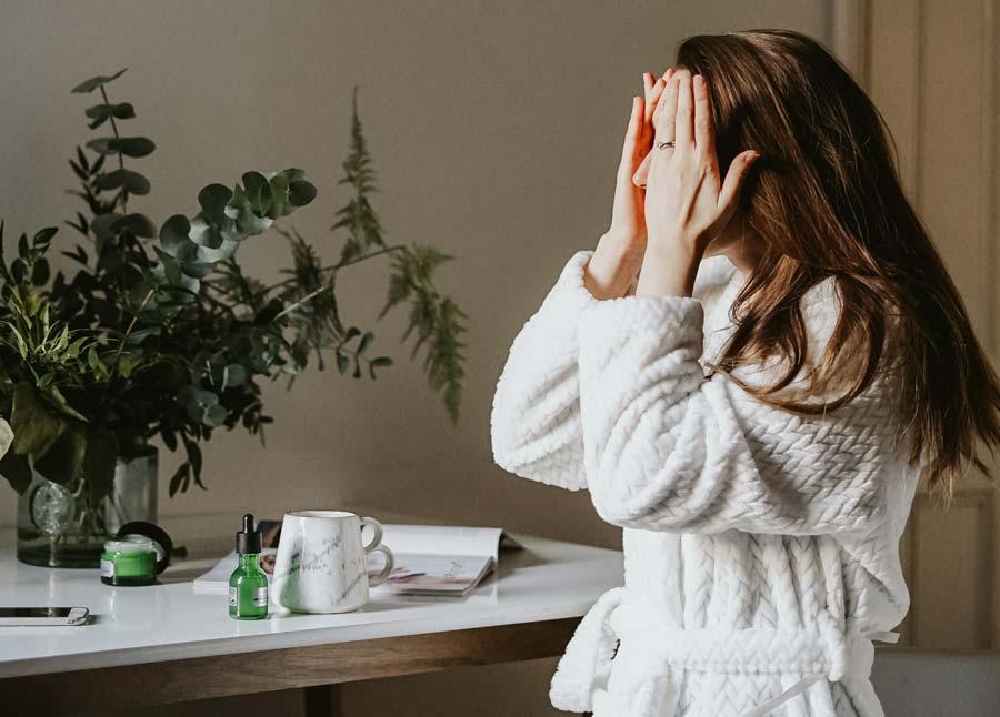 Что нужно знать о косметике с кислотами, чтобы не навредить своей коже
