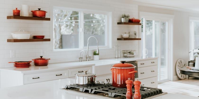 becca-tapert-kitchen-unsplash