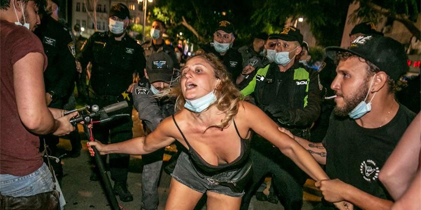 562736_Corona_Protest_Police_Violence_Tomer_Appelbaum