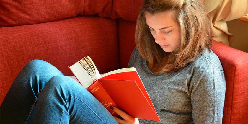 book-girl-pixabay