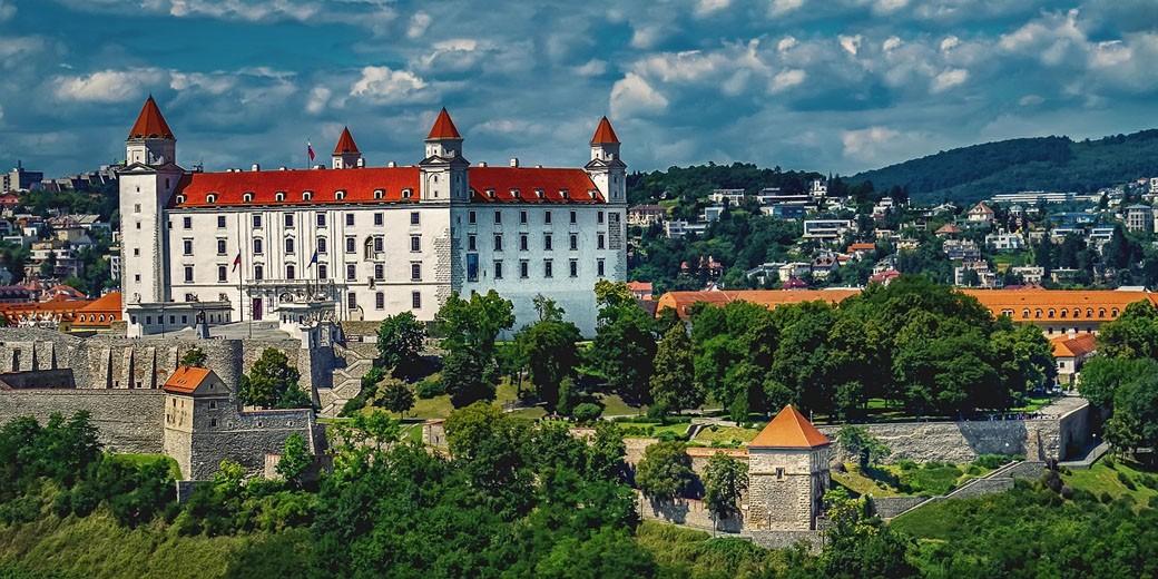 bratislava-pixabay