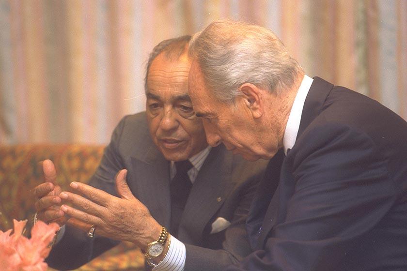 D147-043_Shimon_Peres_King_Hassan_II_Morocco_Avi_Ohayon_GPO