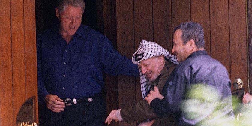 D627-078_Camp_David_2000_Clinton_Barak_Arafat_Avi_Ohayon_GPO