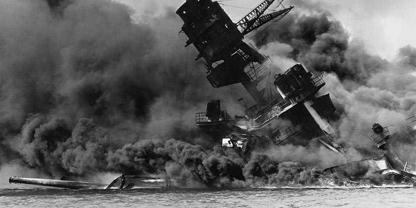 The_USS_Arizona_burning_Pearl_Harbor_Wiki_publict