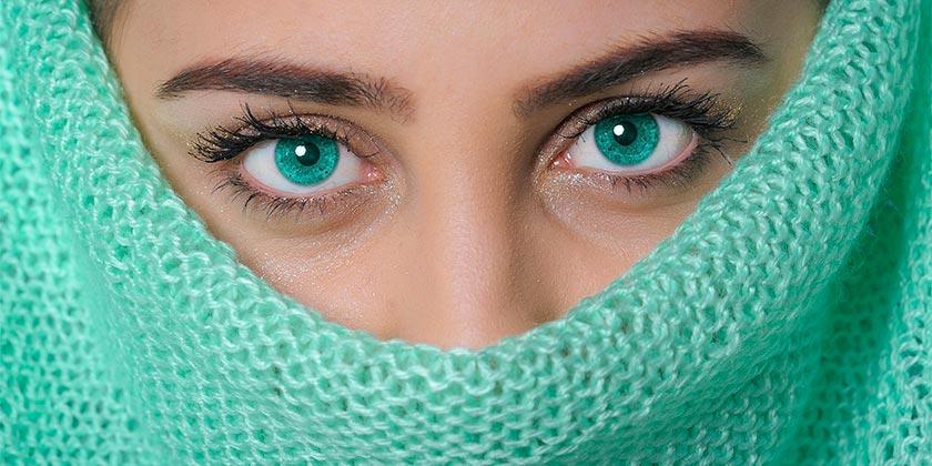 girl-makeup-pixabay