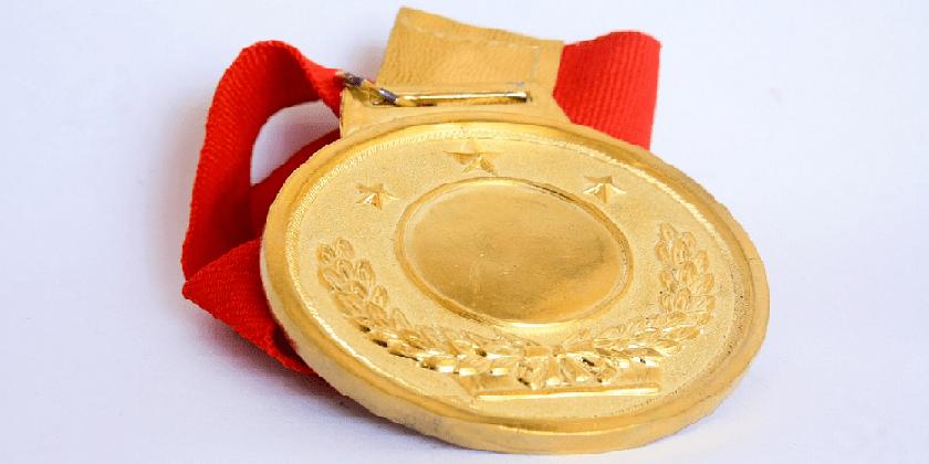 golden medal price Pixabay