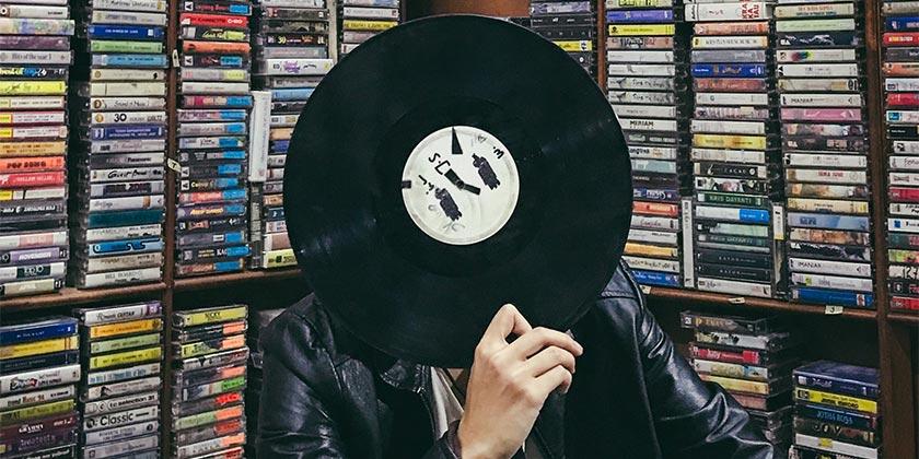 julio-rionaldo-music-unsplash