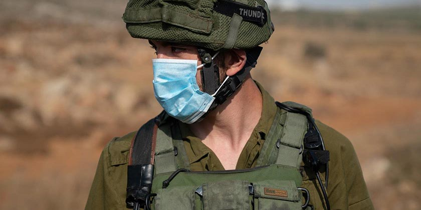 soldier_mask_army_press