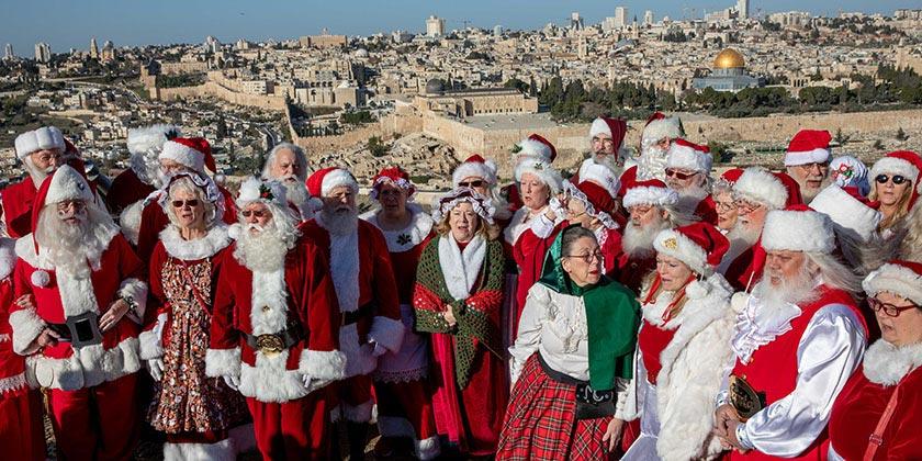 552052_Santa_Claus_Jerusalem_Ohad_Zwigenberg